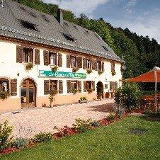 Hôtel-Restaurant le Bouton d'Or**