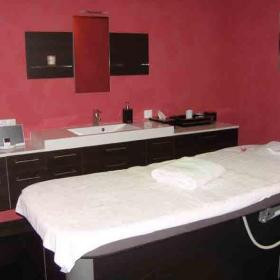 central spa. Black Bedroom Furniture Sets. Home Design Ideas