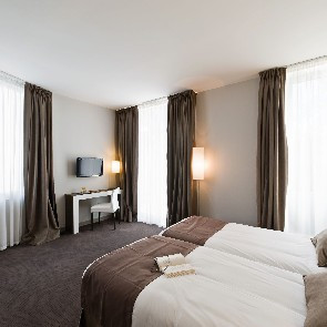 Hôtel Kyriad  Orange Centre***