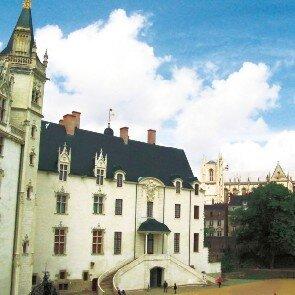 Hôtel la Pérouse***