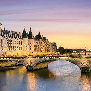 Pavillon Porte de Versailles***