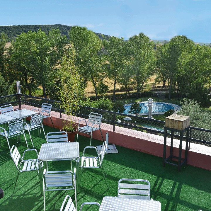 Hostal restaurante el balc n de arbanc n refugio con - Refugios con encanto ...