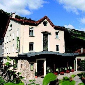 Hôtel des Gorges du Tarn**