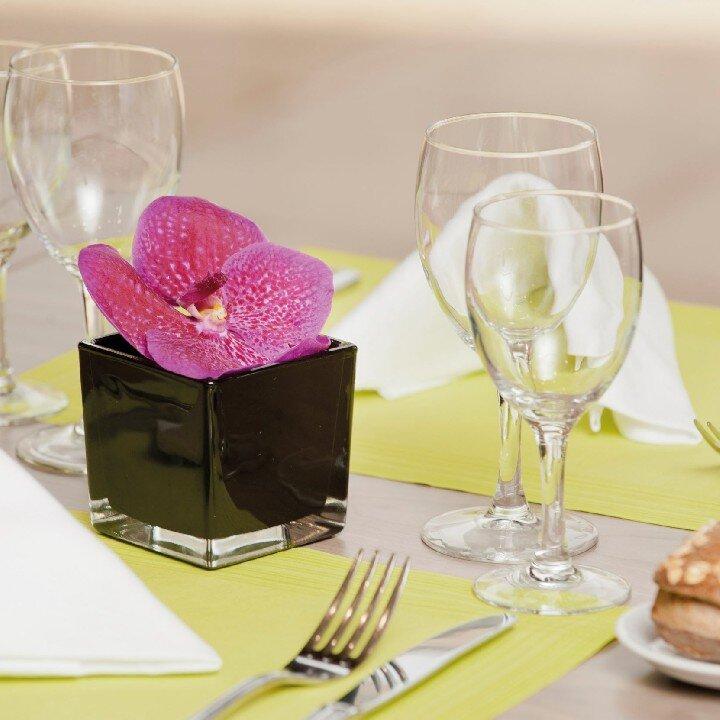 holiday inn toulon city centre d ner romantique gastronomie nos smartbox. Black Bedroom Furniture Sets. Home Design Ideas