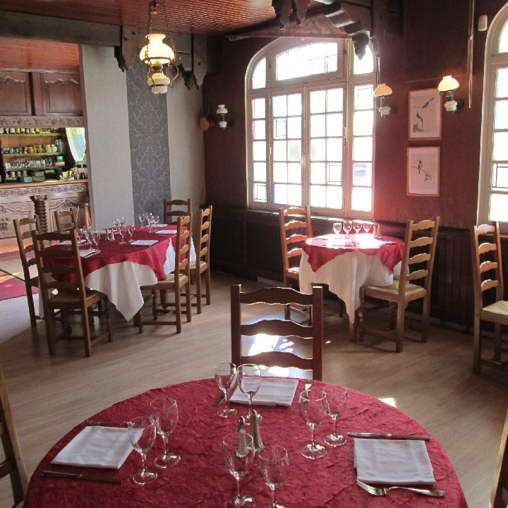 hostellerie de la croix d 39 or d ner romantique gastronomie nos smartbox. Black Bedroom Furniture Sets. Home Design Ideas
