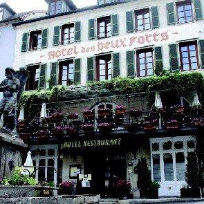 Hôtel-Restaurant des Deux Forts**