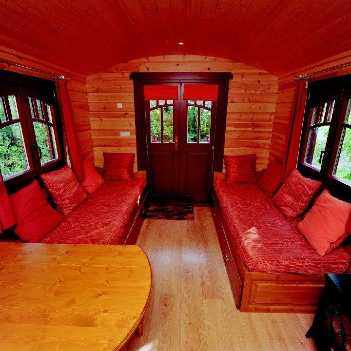 les roulottes de la bosselerie week end insolite et. Black Bedroom Furniture Sets. Home Design Ideas