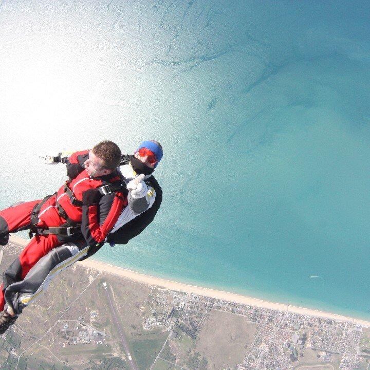 Saut en parachute saut en parachute sport aventure - Saut en parachute nevers ...