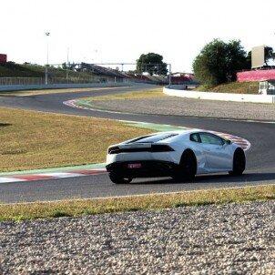 Conduce un Lamborghini Huracan en Jarama | notengoplan
